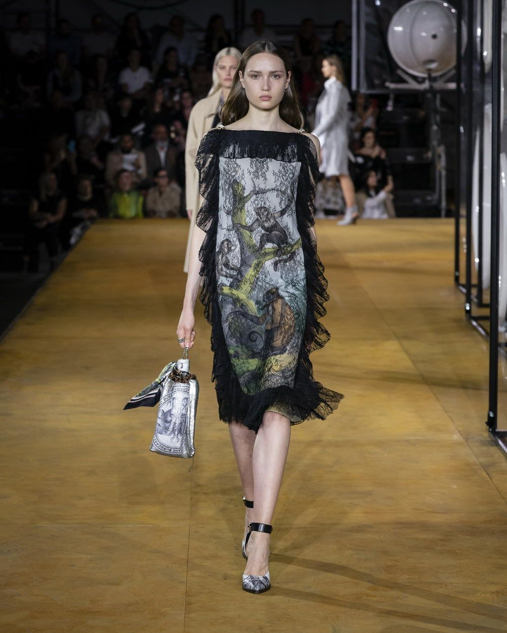 BBurberry Spring_Summer 2020 Collection - Look 17_resize