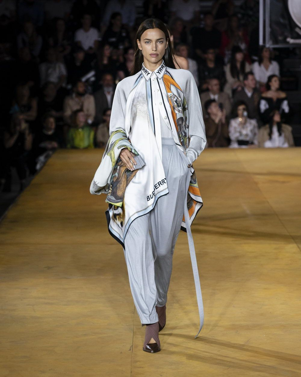 Burberry Spring_Summer 2020 Collection - Look 10_resize