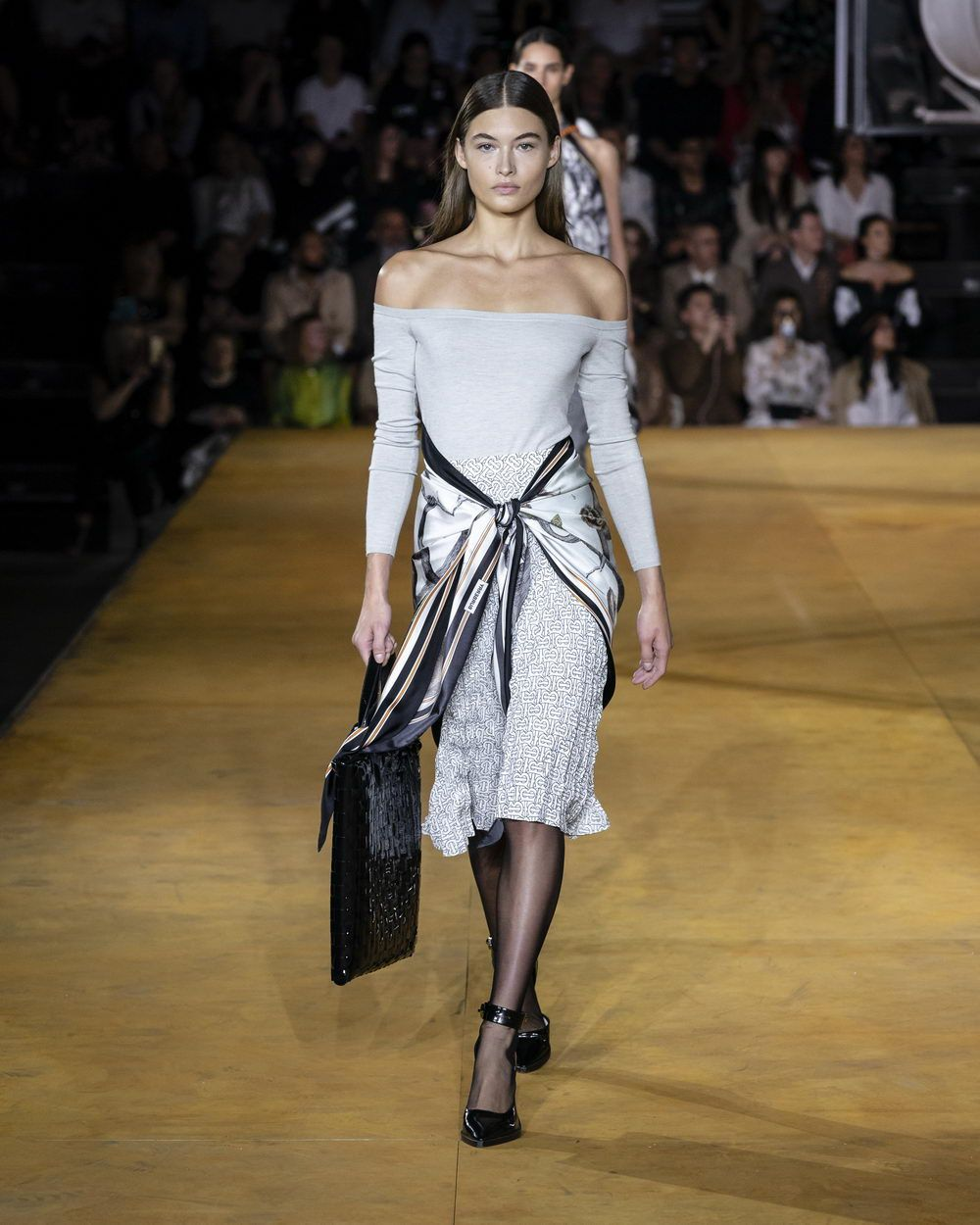 Burberry Spring_Summer 2020 Collection - Look 11_resize