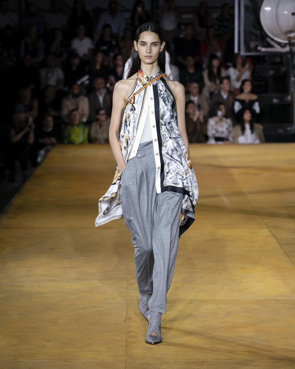 Burberry Spring_Summer 2020 Collection - Look 12_resize