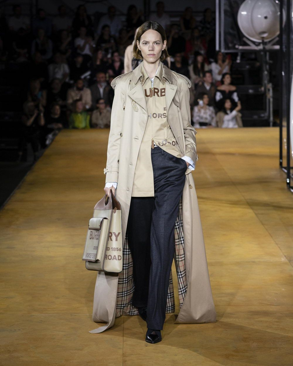 Burberry Spring_Summer 2020 Collection - Look 16_resize