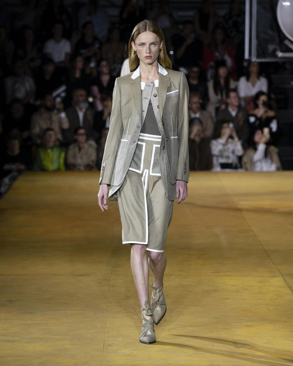 Burberry Spring_Summer 2020 Collection - Look 1_resize