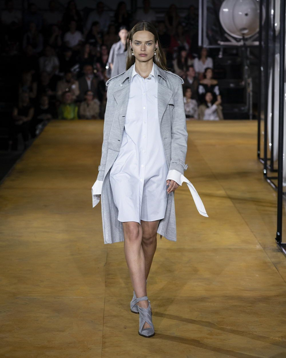 Burberry Spring_Summer 2020 Collection - Look 20_resize