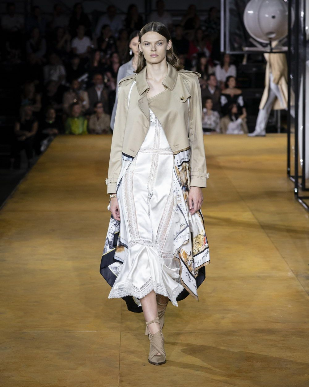 Burberry Spring_Summer 2020 Collection - Look 25_resize