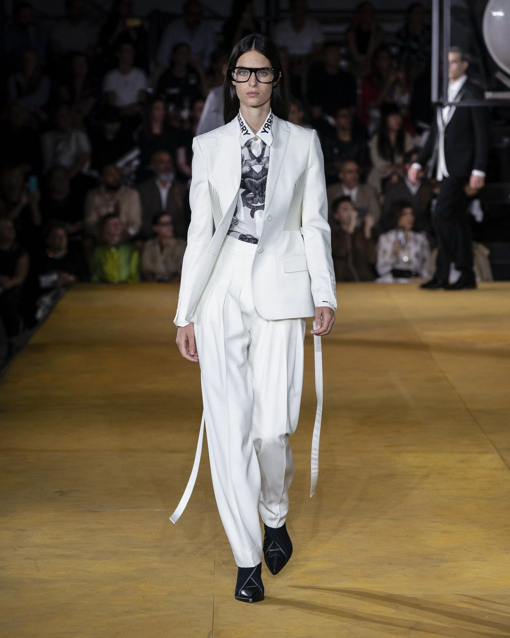Burberry Spring_Summer 2020 Collection - Look 37_resize