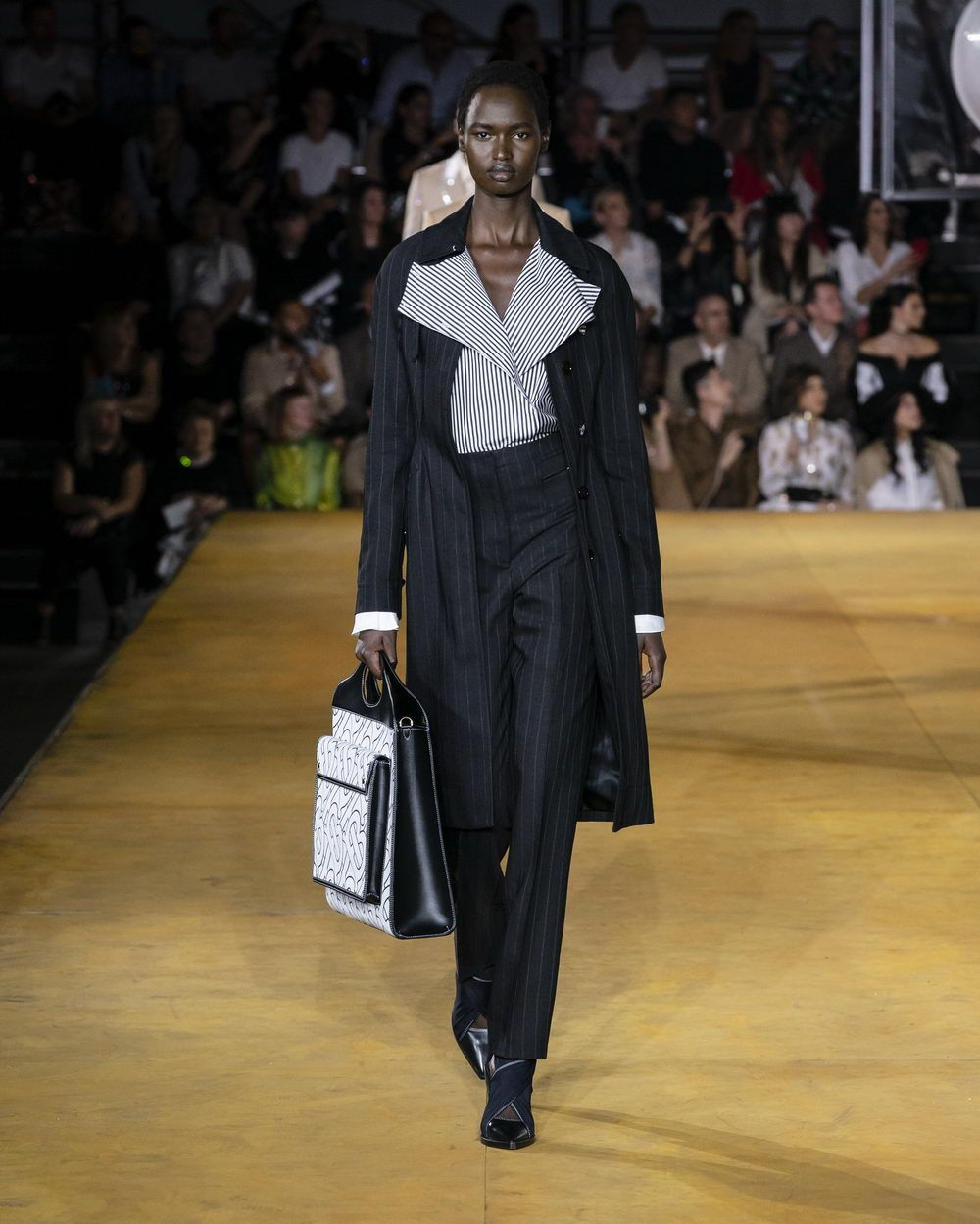 Burberry Spring_Summer 2020 Collection - Look 41_resize