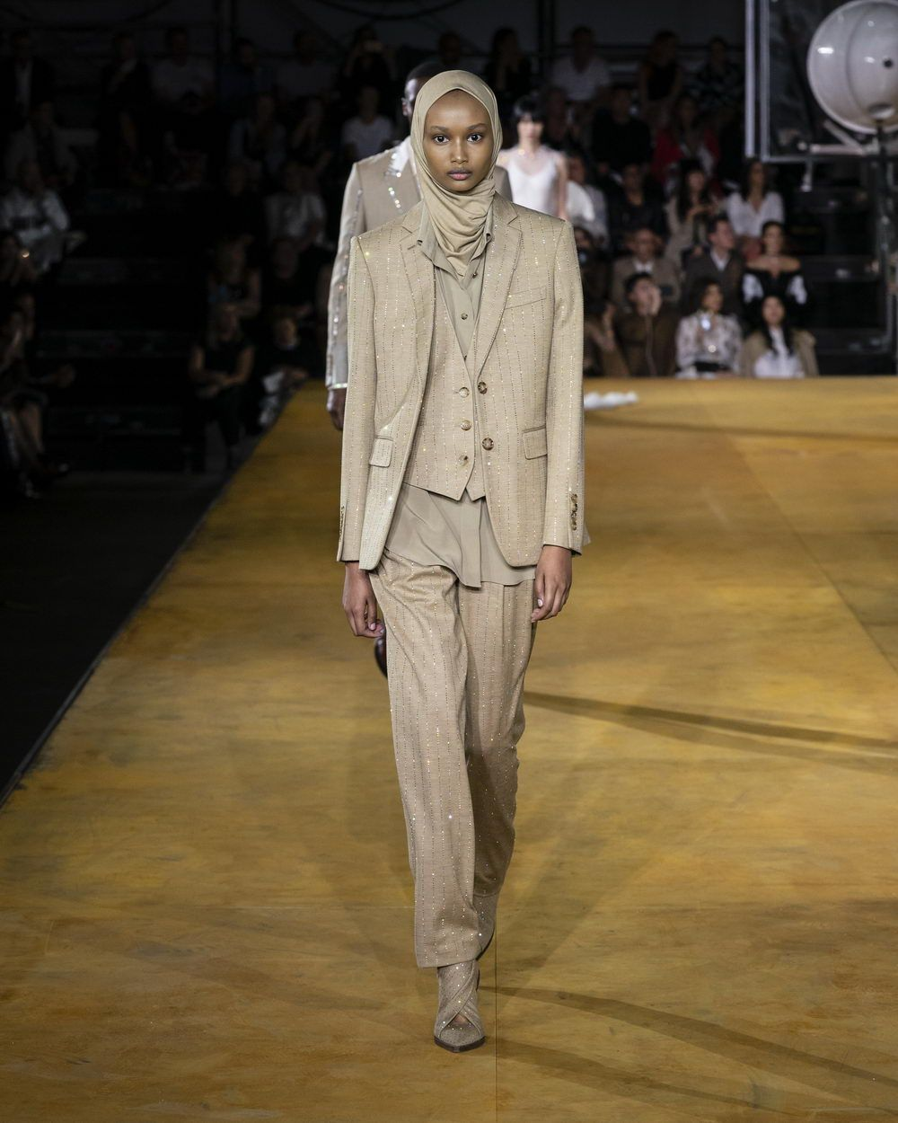 Burberry Spring_Summer 2020 Collection - Look 42_resize