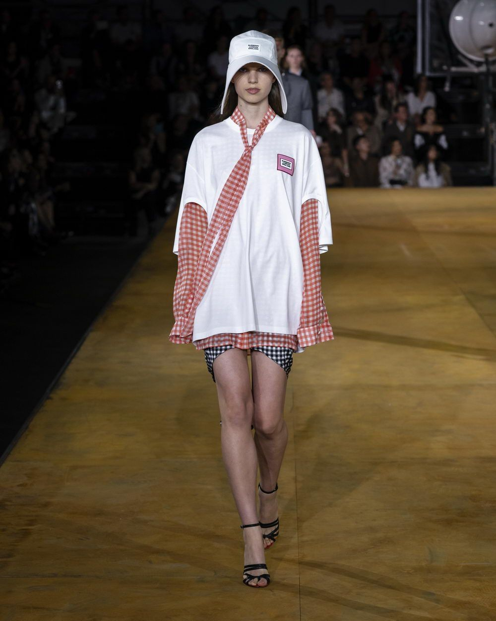 Burberry Spring_Summer 2020 Collection - Look 73_resize