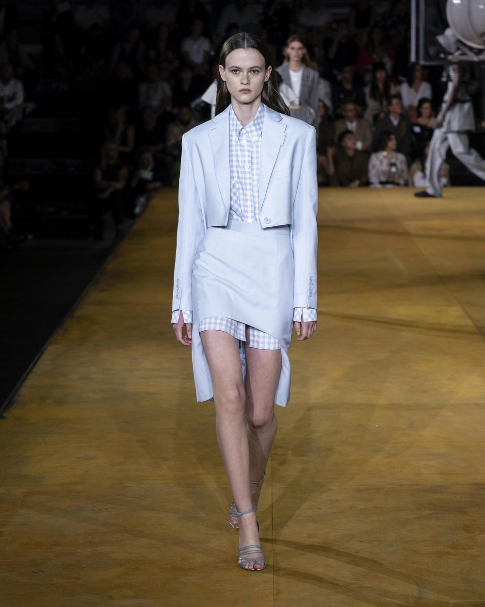 Burberry Spring_Summer 2020 Collection - Look 77_resize
