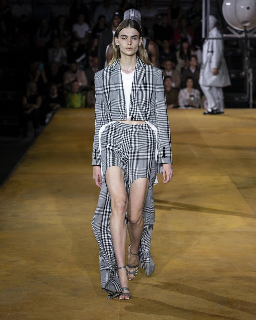 Burberry Spring_Summer 2020 Collection - Look 78B_resize