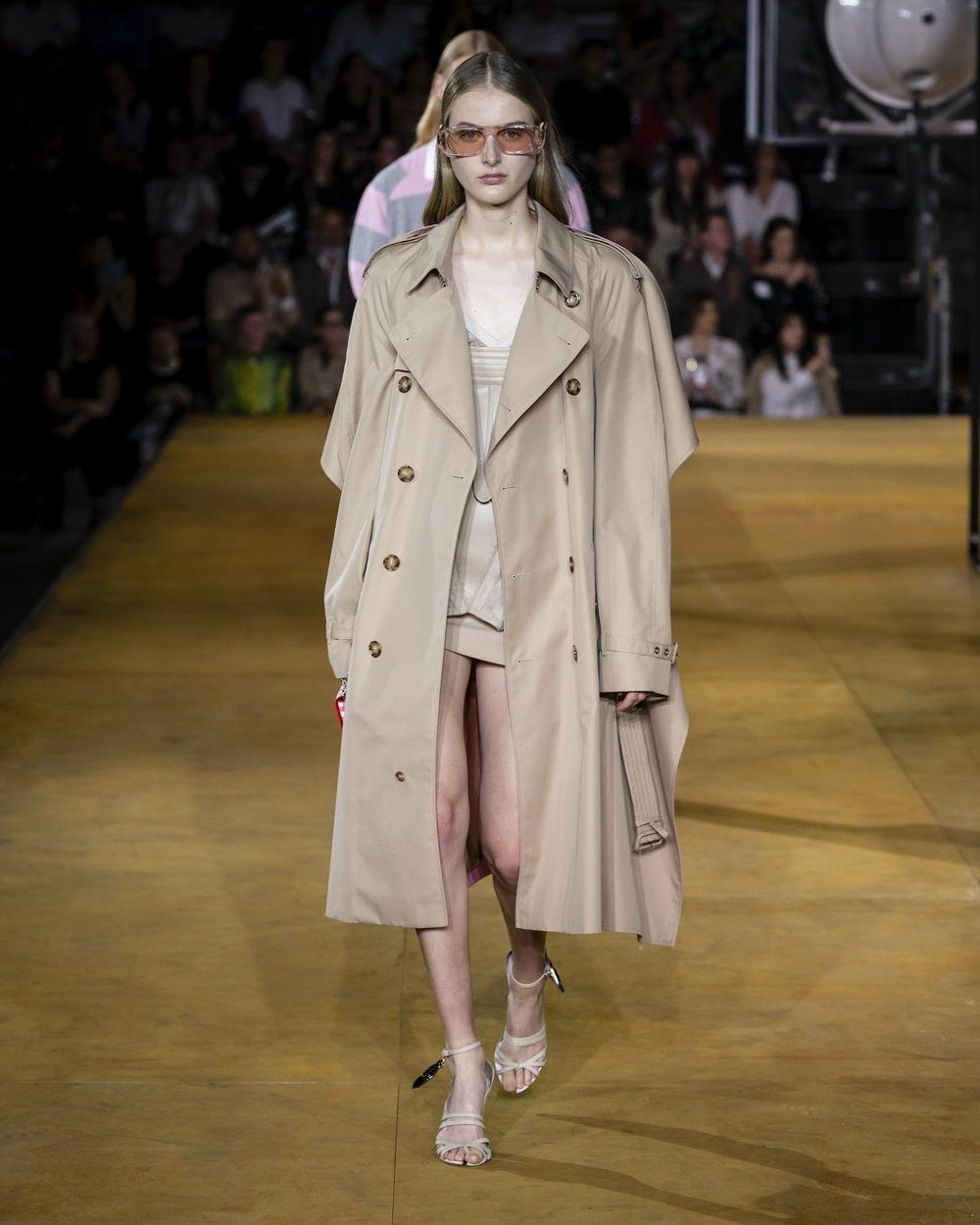 Burberry Spring_Summer 2020 Collection - Look 87_resize