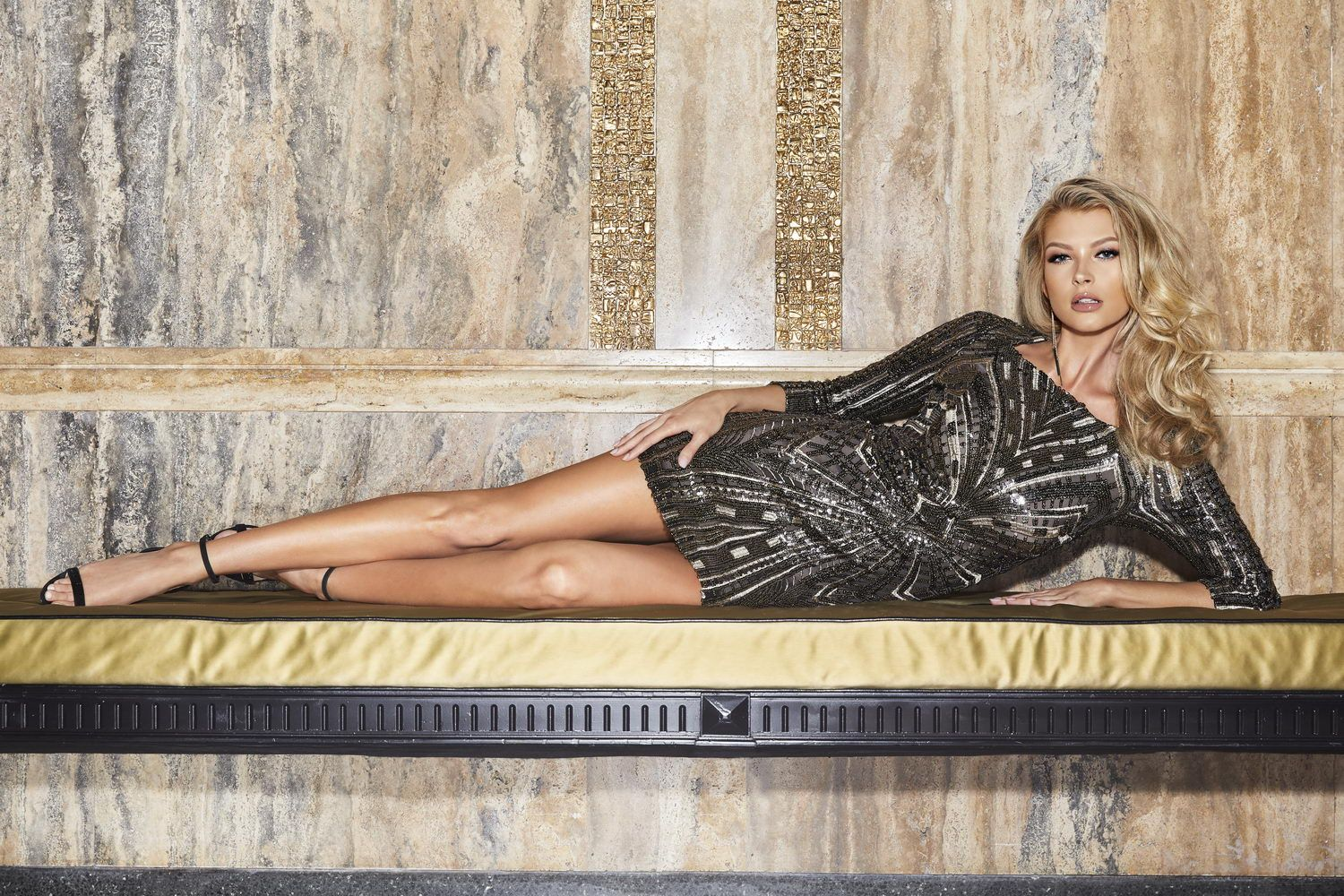 MARCIANO LOS ANGELES HOLIDAY FW18_W23_resize