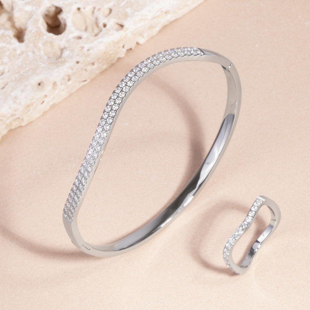 Mia Jewelry_Pulseira wave com zircónias cúbicas em aço_ PVP 52€ e Anel Thin Wave com zircónias cúbicas em aço PVP 30€_resize