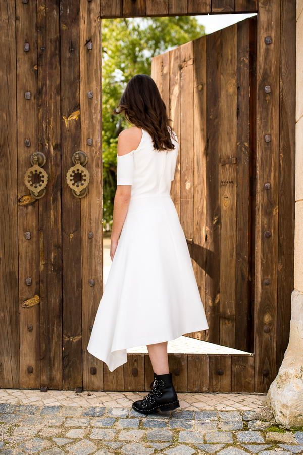 Truffles to Dress_Saturday Love Dress_White dress with cut outs_€99.50_ 2_resize