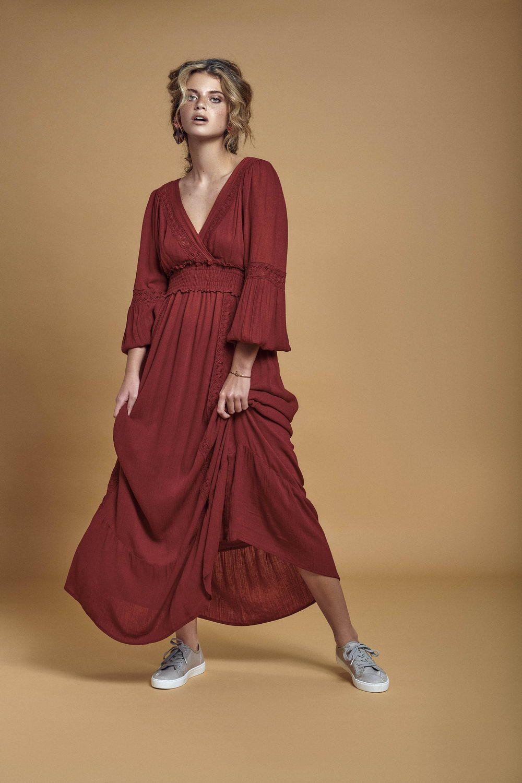 Vestido Riviera 42,99€ Sapatilhas Daylight 26,99€_resize