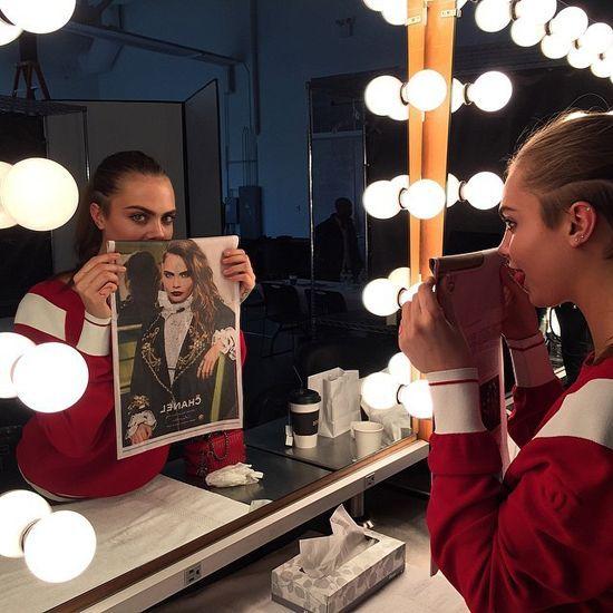 Cara Delevingne, uma das modelos mais activas com 13 milhões de seguidores no Instagram