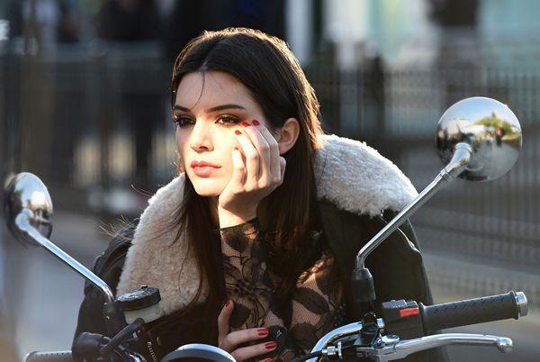 Estee Lauder apostou na jovem Kendall Jenner como imagem da Estée Lauder