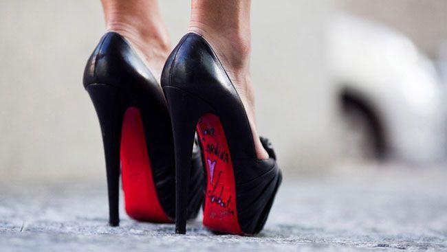 Saltos altos: um preço elevado para andar na moda