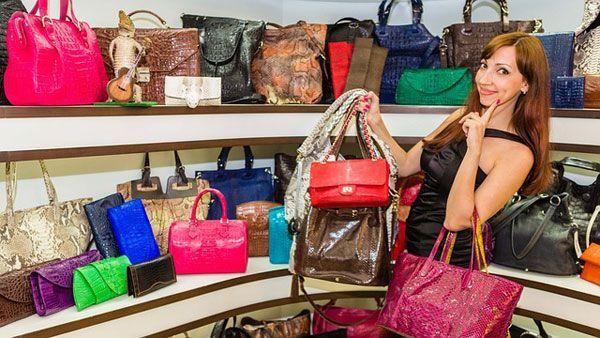 """""""Shopaholic"""" ou comprador compulsivo: que compram o que não precisam"""