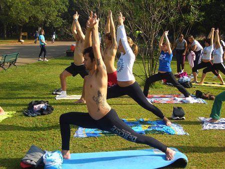 Aula de Yoga ao ar livre
