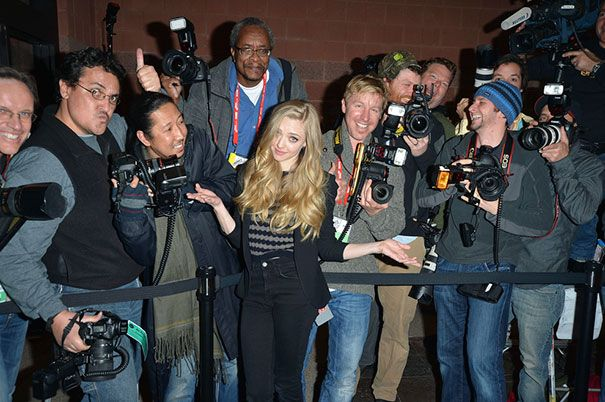 funny-celebrity-reactions-to-paparazzi-156-586261113bff6__605