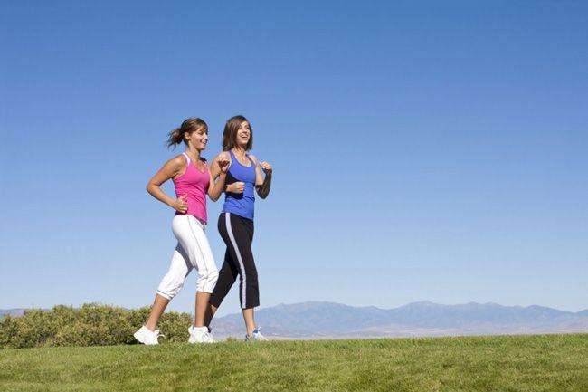 Caminhar é saudável física e psicologicamente