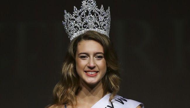 Erro de Miss Turquia retira-lhe coroa para sempre