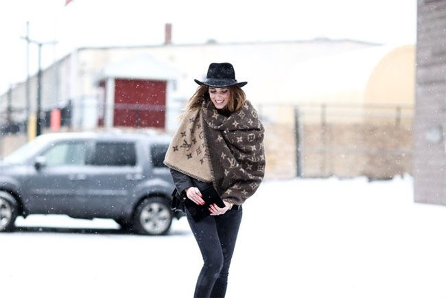 Estilos que mostram estilo e roupa quente compatíveis