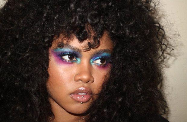 Taija Kerr, a primeira mulher afro-havaiana a ser modelo para uma campanha de cosmético