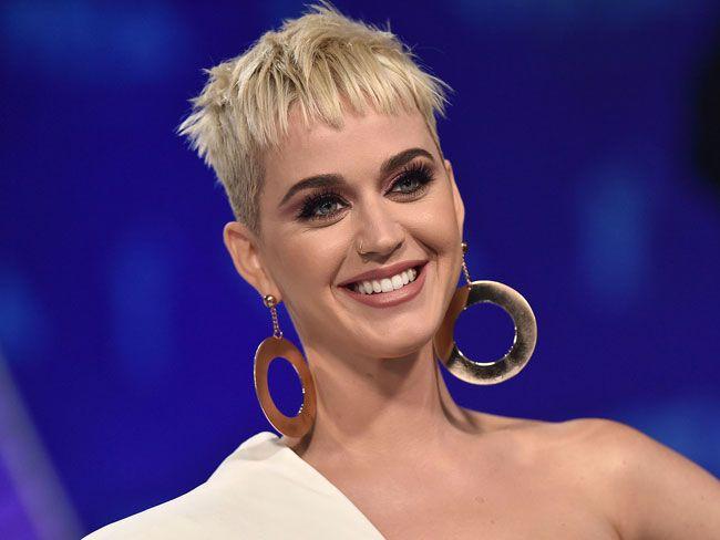 """Será Katy Perry a única """"virgem"""" das cirurgias?"""