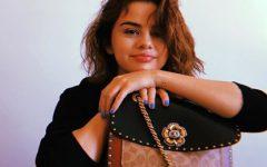 Venerando o novo visual de Selena Gomez