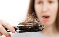 Cai-te o cabelo? Não tratas bem do couro cabeludo...
