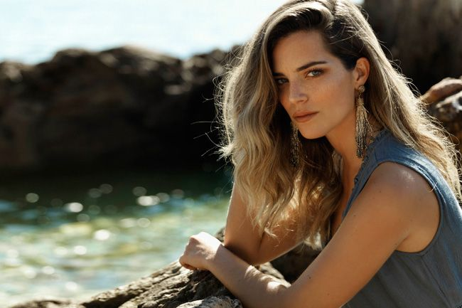 Actriz Bárbara Lourenço cara do novo lookbook Natura