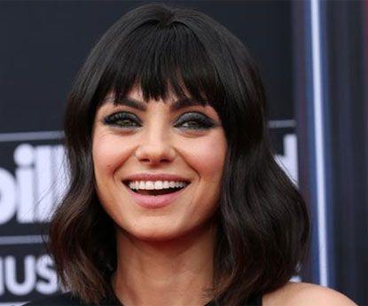 A franja de Mila Kunis vai-se tornar moda neste Verão