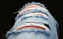 Fotos que mostram o perigo da moda dos jeans rasgados