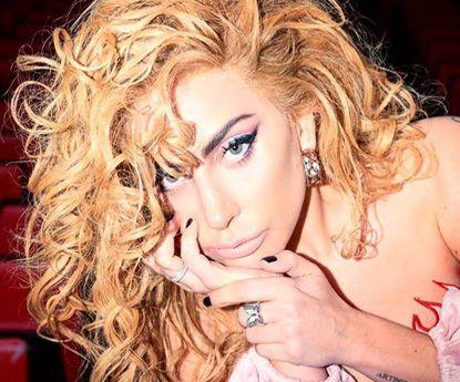 Lady Gaga vai desenhar linha de maquilhagem