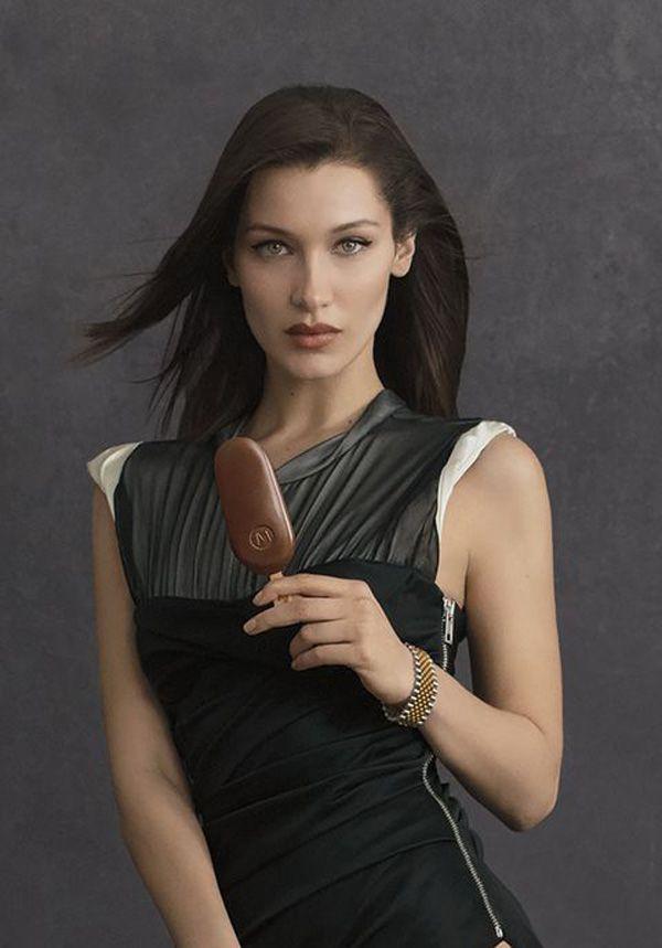 Bella Hadid e Alexander Wang para o gelado Magnum