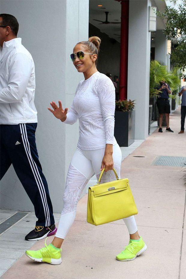 Jennifer Lopez paralisa tráfego em Miami