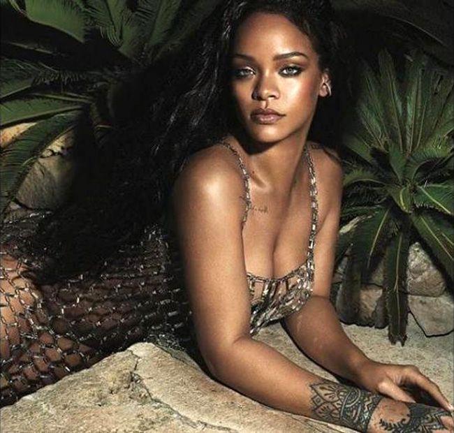 Rihanna incendeia Instagram com lingerie transparente (e sexy)