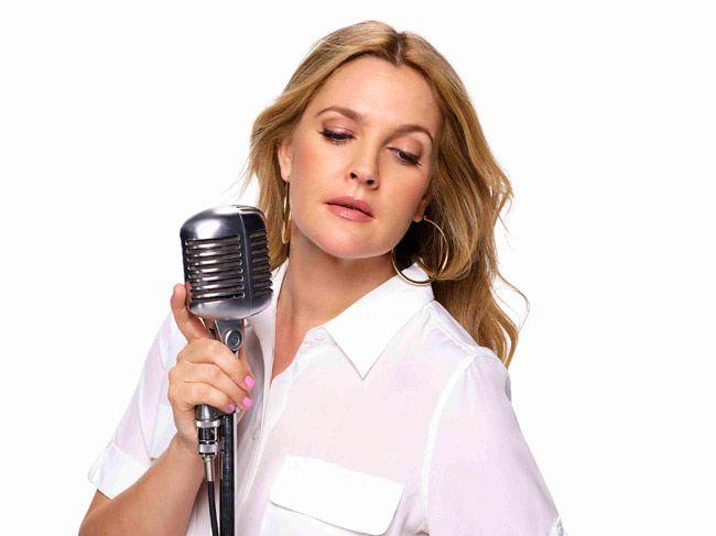 Drew Barrymore canta e dança no seu primeiro musical