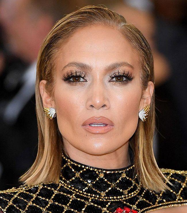 A beleza do cabelo e maquilhagem das celebridades
