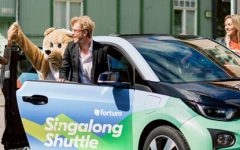 O primeiro táxi do mundo pago pelo canto na Finlândia