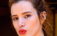 """Bella Thorne compartilha foto da sua tatuagem """"Bite Me"""""""
