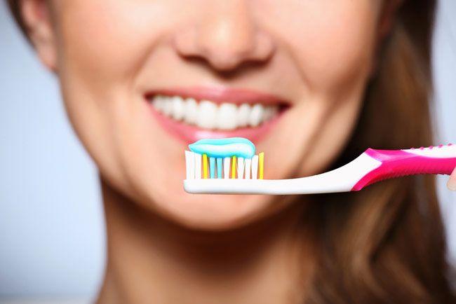 Cuidados com a higiene oral são importantes em qualquer idade