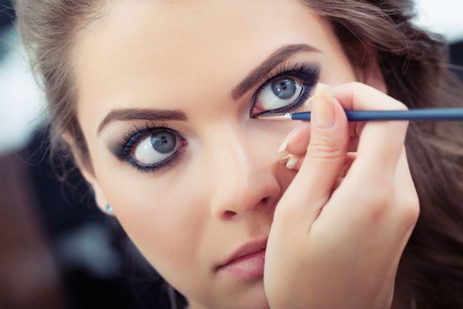 Este é o eyeliner perfeito se tens olhos castanhos