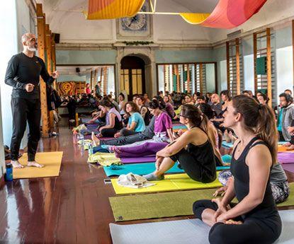 Jean-Pierre Oliveira apresenta novo curso de professor de Yoga