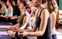 Jean-Pierre Oliveira oferece aula Yoga por donativo livre