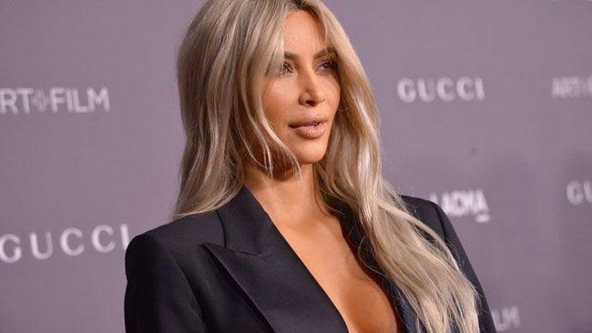 Kim Kardashian diz-se tímida com o sexo