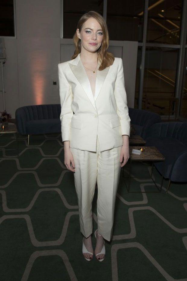 O último look de Emma Stone no red carpet