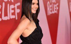 Kendall Jenner exibe a sua figura para Chanel